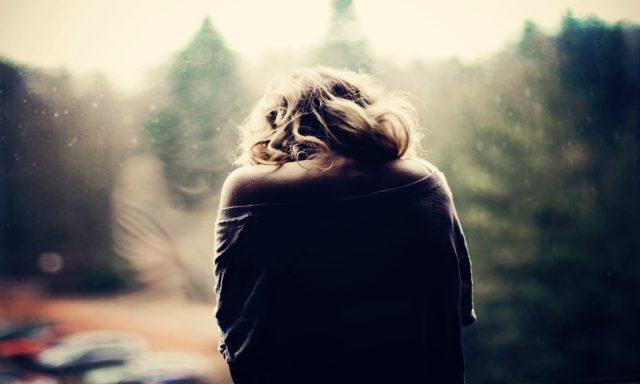 Những bài thơ hay nhất về tình yêu đơn phương thầm kín